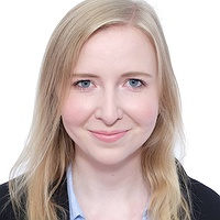 Dr. Lara Christina ROLL